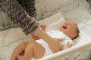 почему ребенок плачет во сне до года