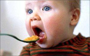 Развитие ребенка в 9 месяцев питание