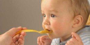 Развитие ребенка в 7 месяцев питание