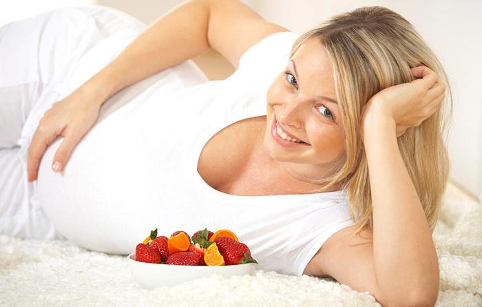 клубника во время беременности