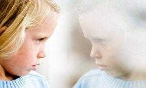 Первые признаки аутизма у детей до года