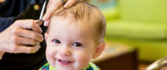 Первая стрижка волос у ребенка